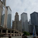 Skyskrabere langs Chicago-floden